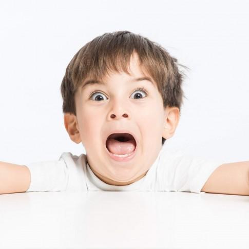 الفرق بين شقاوة الطفل وفرط الحركة