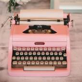 للمرة الأولى، أكتب..