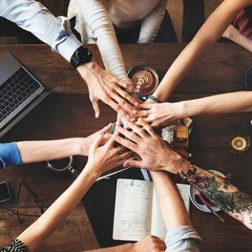 سبعة أسباب تترجم نجاح فريق العمل