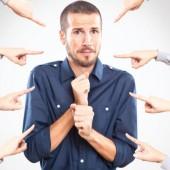 النقد اللاذع والأحكام المسبقة .. كيف نتعامل معها ؟